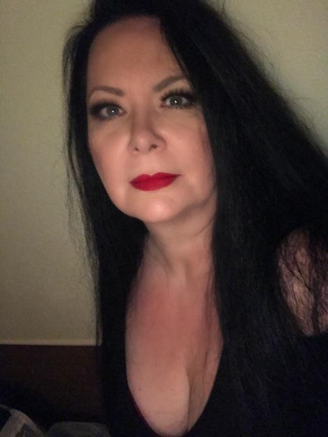 Victoria Darling - current photo.jpg